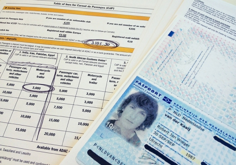 Het leed dat Carnet de Passage heet The Carnet de Passage is a document which is required when taking a vehicle outside the borders of the European Union. Beside the issue fee for the document itself (198,50 euros), the ADAC also demand a deposit which is determined by the value of the vehicle and the visited countries. With a streetvalue of roughly 1.000 euros, my motorcycle was well set under the 10.000 euro mark, making the deposit fee (a staggering) 3000 euros. A obligued fee that, together with the issue fee, is to be transfered to the ADAC even before the paperwork reaches a desk of the ALLGEMEINER DEUTSCHER AUTOMOBIL CLUB im MUNCHEN!