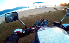 Around the evening we found a nice campsite near Erdek. There I also learned that my bike does not like sandy beaches alot and tend to dig itself in